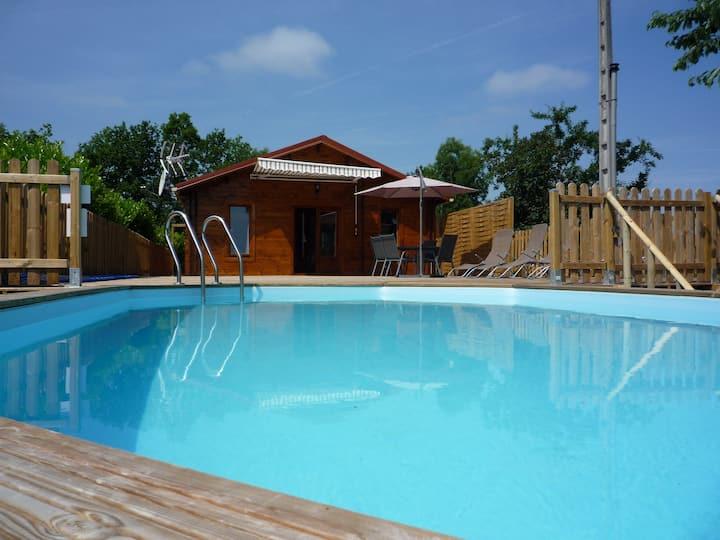 Chalet avec piscine privée, au cœur de la Dordogne