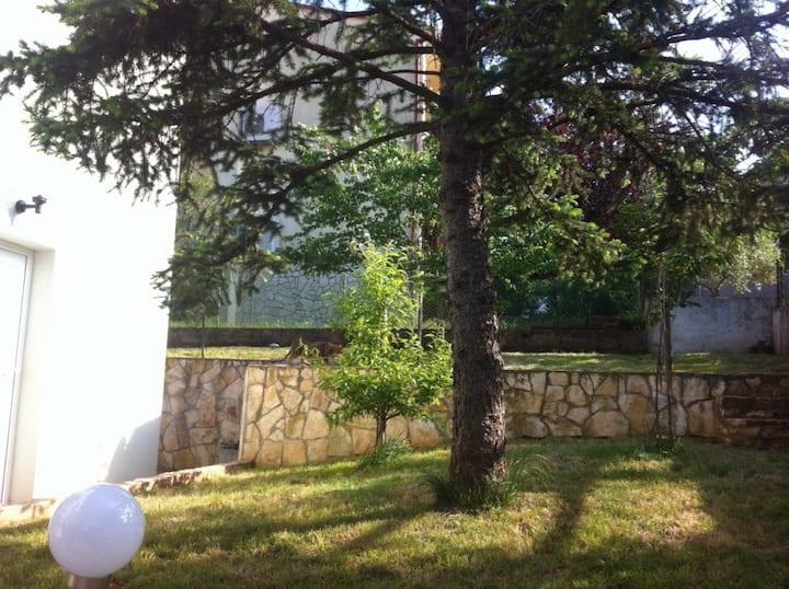 Haus Velikut, (Pula), Ferienwohnung A1, 36qm, Terrasse, 1 Schlafzimmer, max. 4 Personen