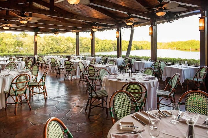 Sea Orchard Retreat Dining Options
