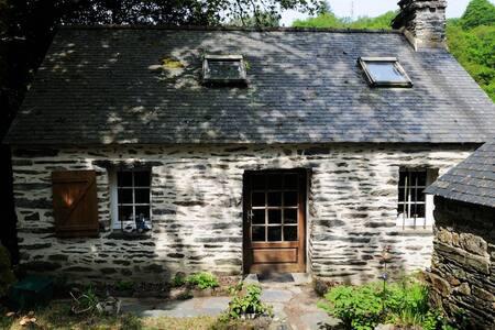 Maison bretonne et écrin de nature - Saint-Rivoal - Haus
