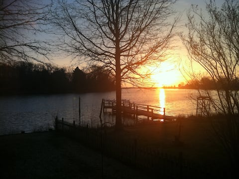 Great Bayside Getaway 35 min from DC and Annapolis