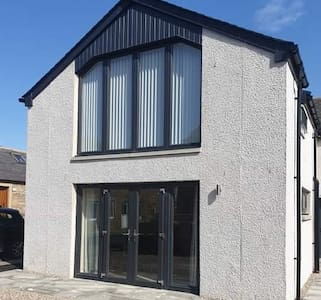 Newly renovated 4/5 bedroom home in Burghead