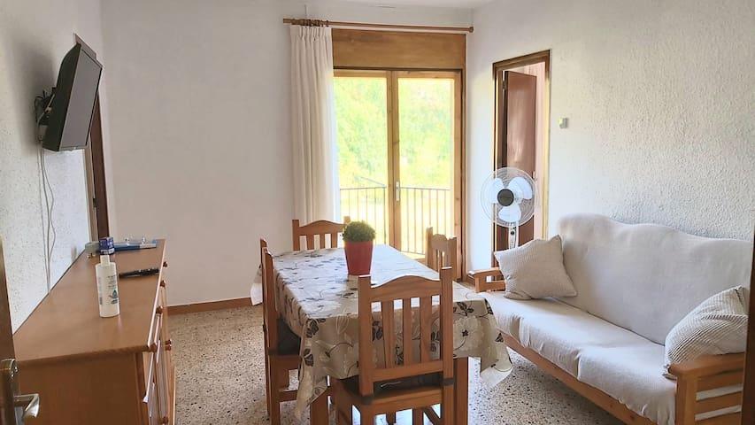 Apartamento 4 personas muy soleado en Bagà