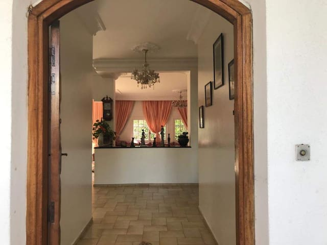 Beautiful Villa close to beach and Morocco mall