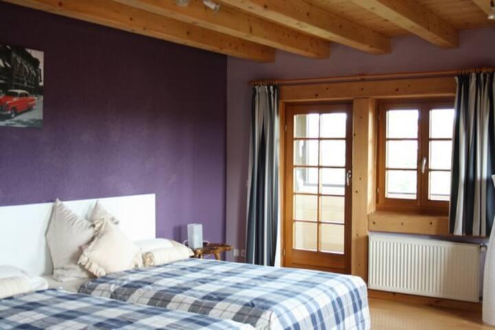 Villa Grenzenlos, (Löffingen), Familienzimmer Schluchsee mit hauseigener Sauna