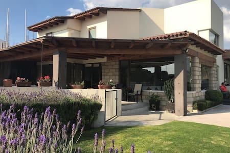 Casa Las lunas Residencial Club de Golf Amanali