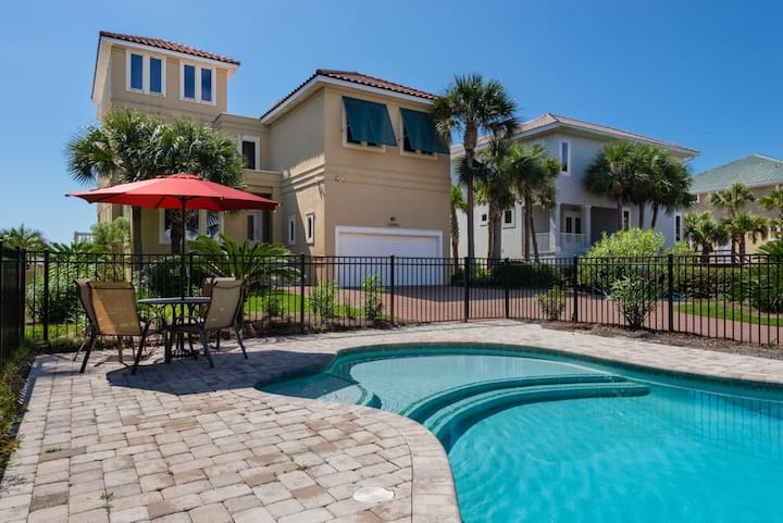 Gulf Front Home! Recently Updated with PRIVATE pool!