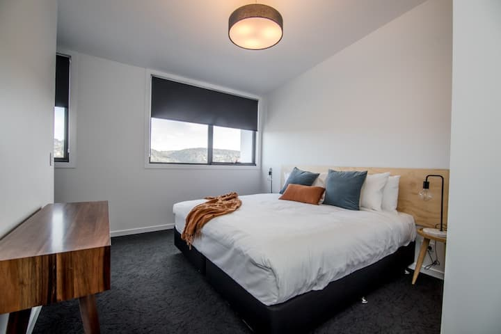 Change Overnight - Courtyard - 1 Bed Apartment