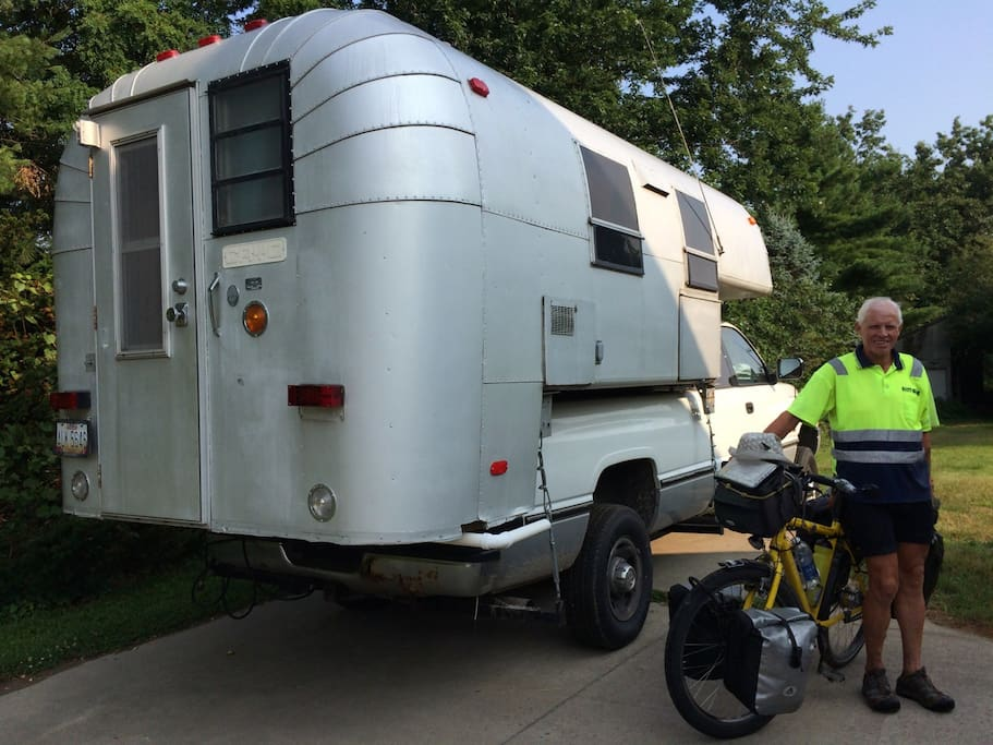 Touring bicyciclst enjoyed overnight