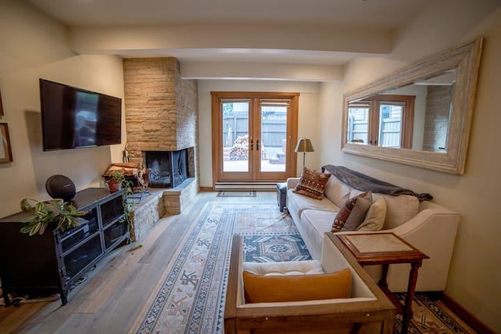 Aspen Core Large Luxury condo
