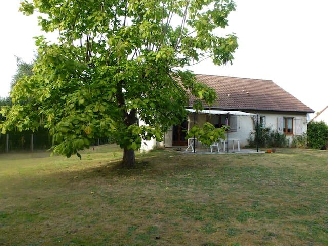 maison à la campagne - Langeron - Haus