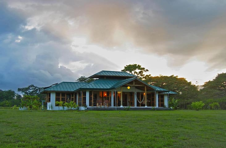 Awesome Oceanfront - Romantic! March availability! - Osa Peninsula - Villa