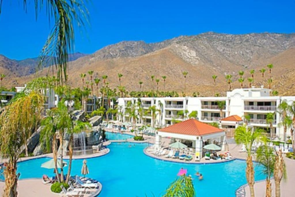Palm Canyon 2 Bedr Suite Ca 1 Condominiums For Rent In Palm Springs California United States
