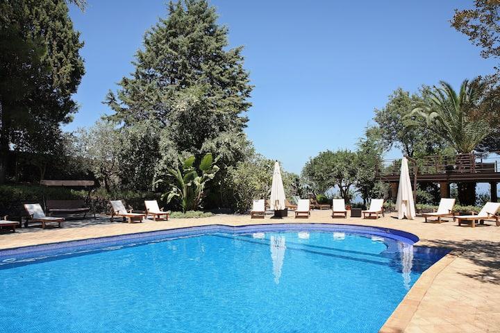 Villa Scozilia, Casa Camelia