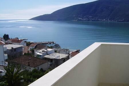 THAT BLUE! Let the sunshine come in - Herceg Novi