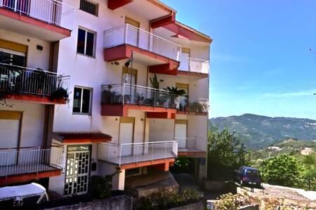 Casa vacanze Ficarra - Ficarra - Apartament
