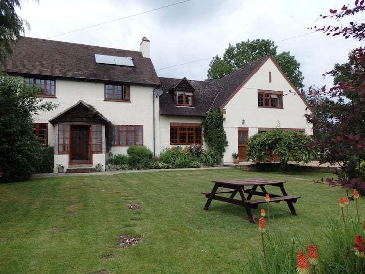 Larkrise Cottage Bed & Breakfast Double en-suite