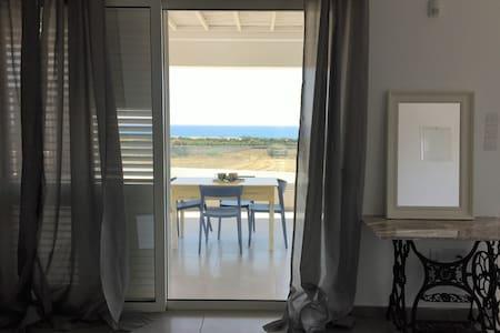 Deluxe Studio Apartment on the seaside