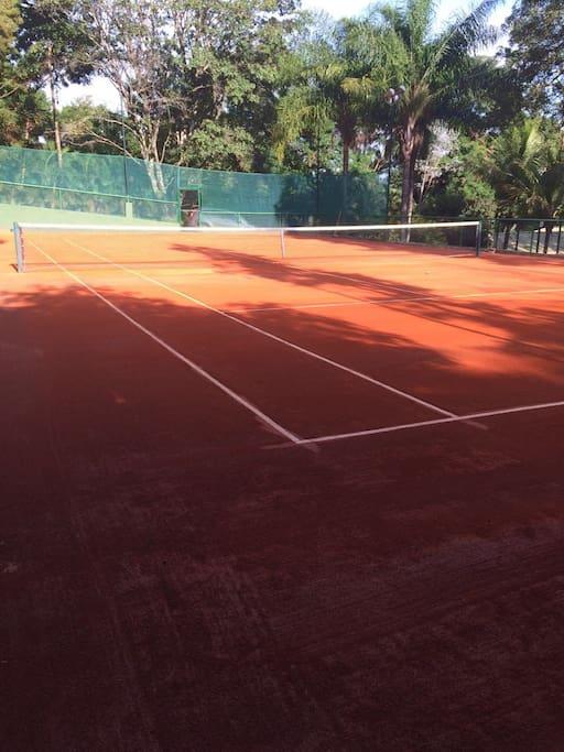 Quadra de tênis de saibro