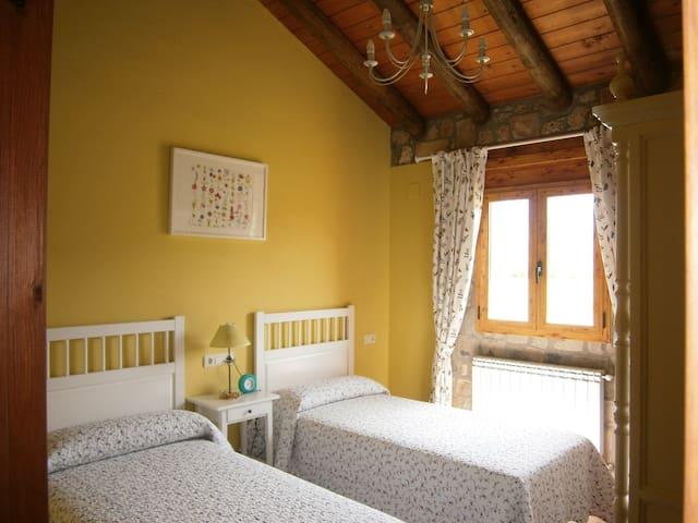 Casa rural de Piedra Pirineo - Caldearenas - Huis