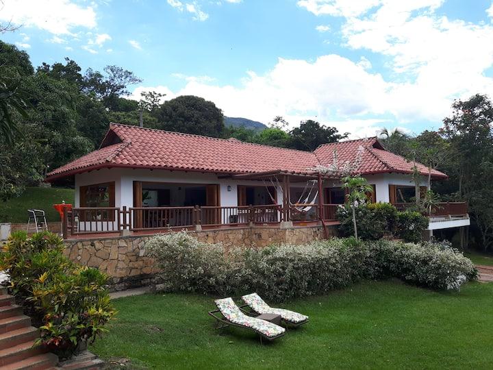 Hermosa casa campestre amplia con vistas 2. WiFi