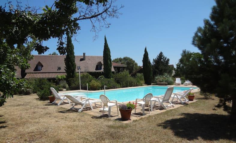 Gite near St.Cirq lapopie - Saint-Martin-Labouval - Huis