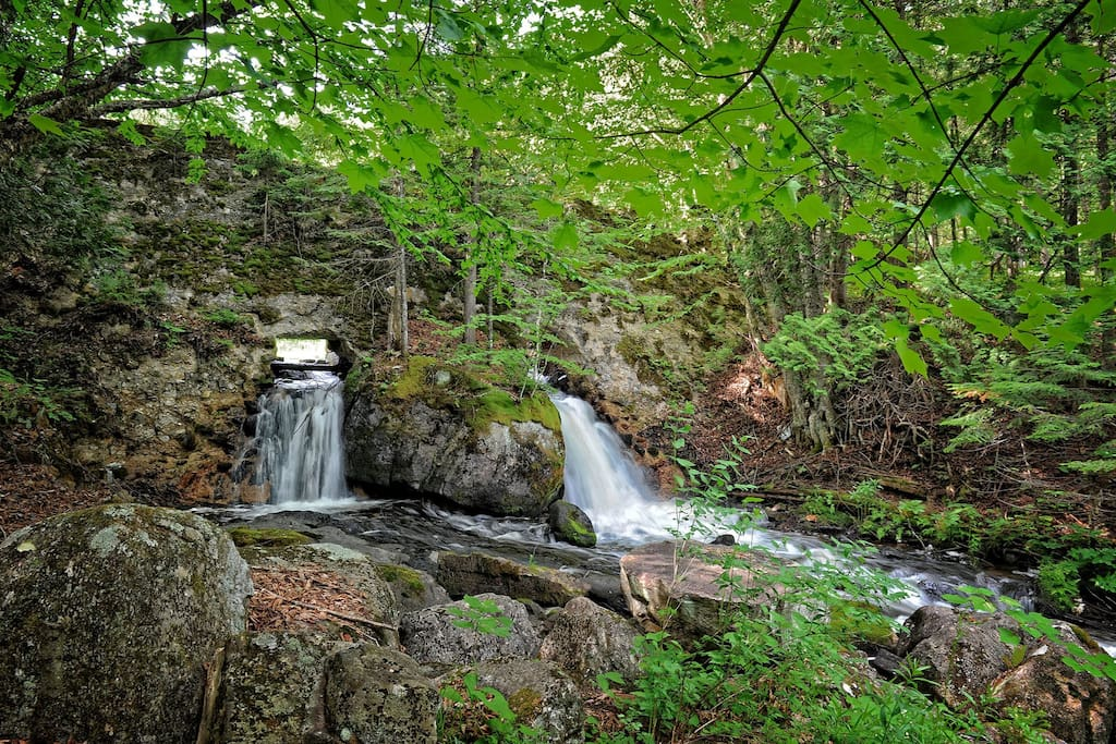 Outdoor Area - Scenic waterfall close by