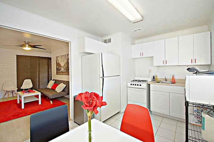 Amir's Airbnbs6-Monthly Discounts, Great Area!