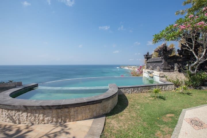Clifftop Apartment with Breathtaking View #7