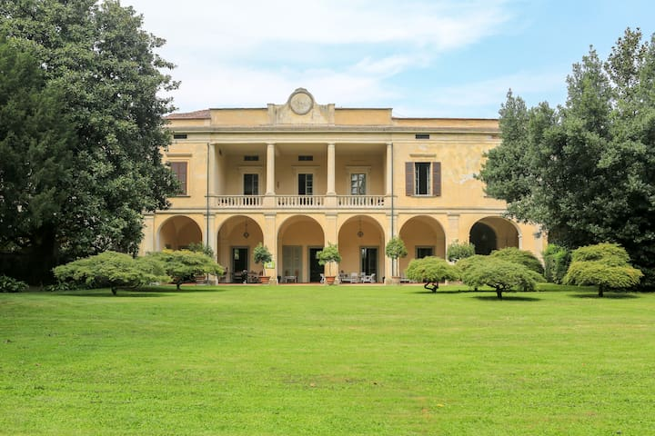 Villa Longo: peacefulness and charm - Faverzano - Casa de camp