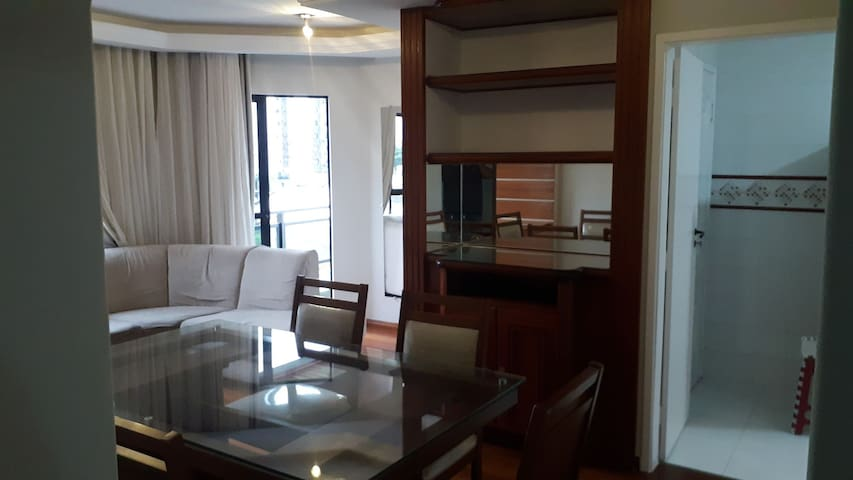 Apartamento próximo Pelinca e ao Shopping Aven. 28