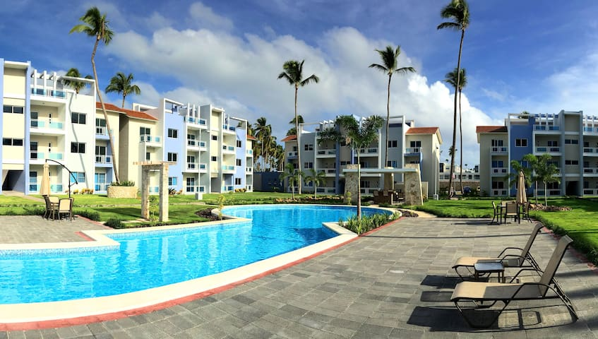 Modern Condo/Rooftop Patio/Steps from the Beach - Punta Cana - Appartement