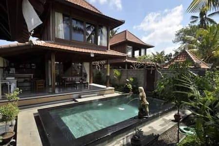 Sunmix Vila Wooden House - Ubud - Villa