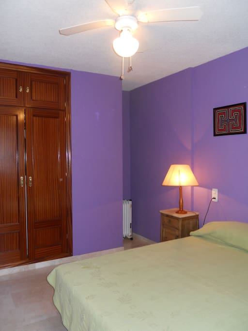 Dormitorio muy espacioso