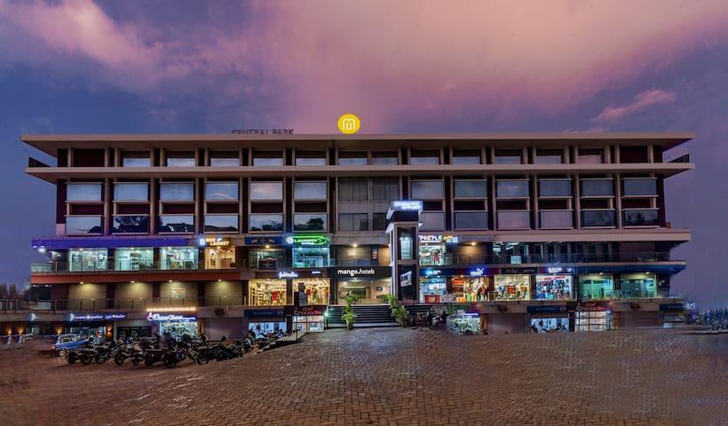 Mango Classic Hotel Room- Manipal