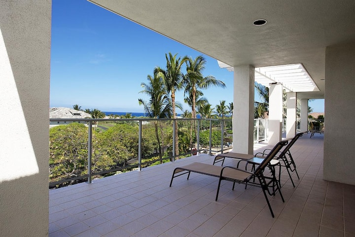 VC302-Beautiful Penthouse on 3rd Flr w/Ocean View!