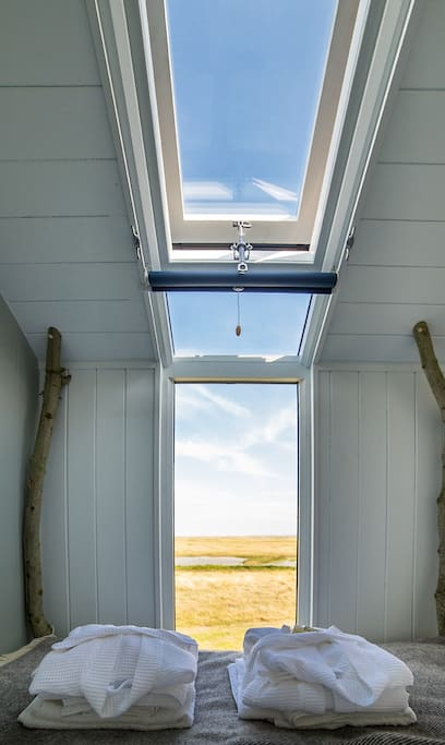 Wilderness view from your kingsize bed- stay in 'Vanellus'