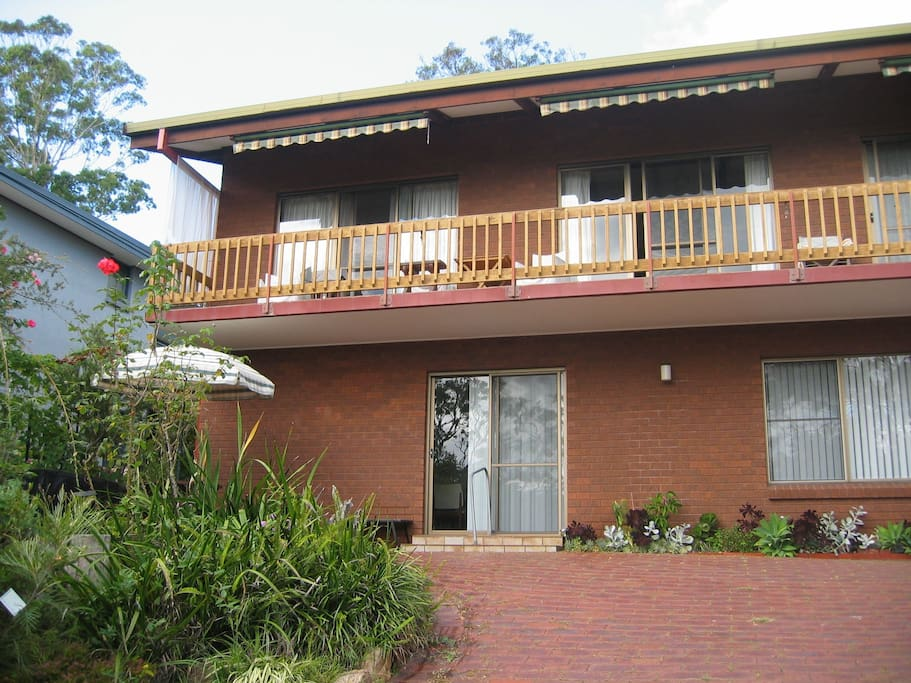 Fully self contained 2 bdm  unit on ground level. We use our back garden area so guests have privacy. Filtered Lake views, private garden / BBQ area.