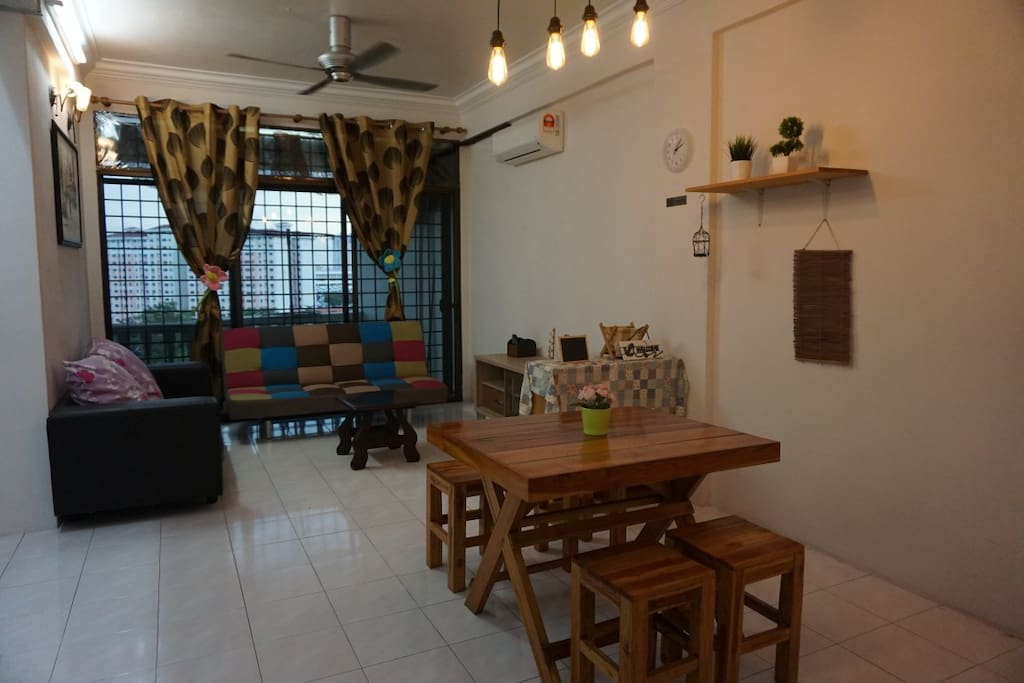 A Cozy Homestay with Simple & Relaxing Theme