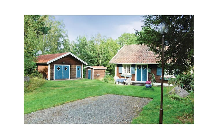 Holiday cottage with 3 bedrooms on 67m² in Hjo