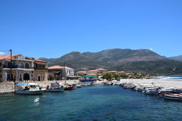 Seaside Jewel in the Heart of Mani  - Agios Nikolaos - Casa