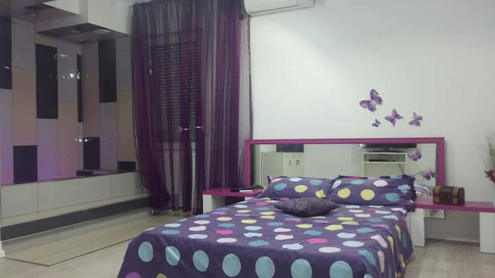 Private room in Nevia's house.