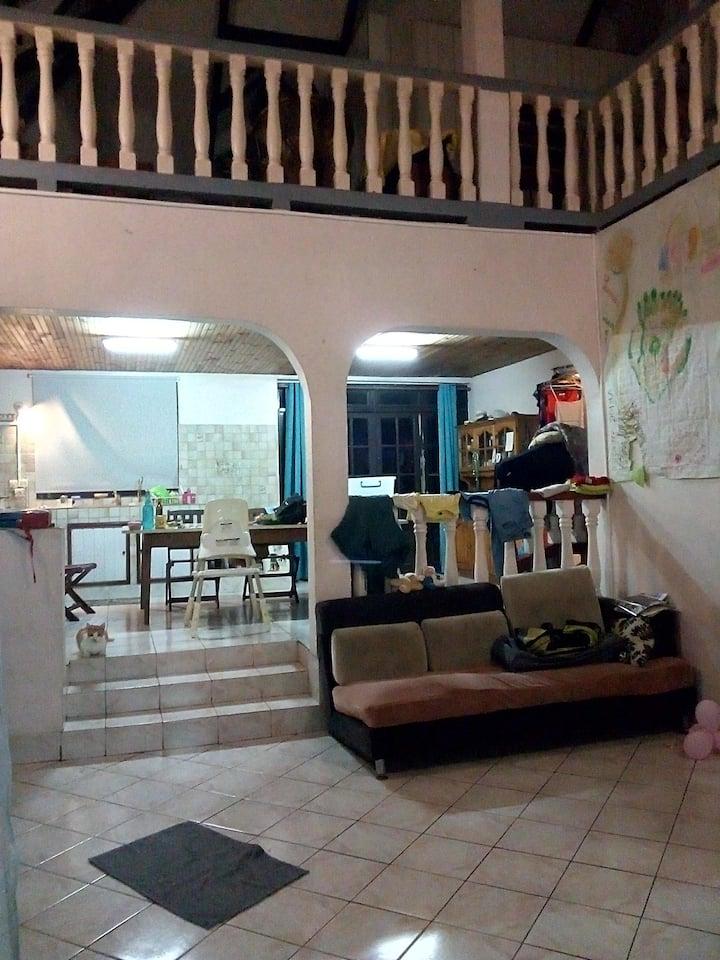 Chambre Tahiti (Pirae) proche commerces et hôpital