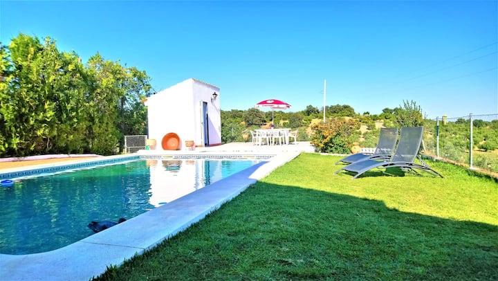 Villa de 2 chambres à La Puebla de los Infantes, avec piscine privée, terrasse aménagée et WiFi