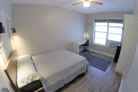 Cleanest Private Room in Downtown Hollywood