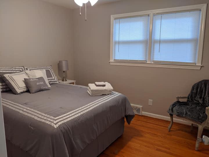 Cozy queen room for longer term guests