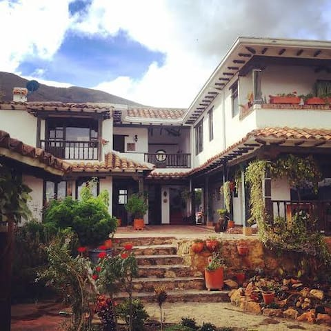 CHARMING TOWN IN COLOMBIA - Villa de Leyva - House