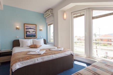 Cozy private room for 2-3 people - Ohrid - Villa