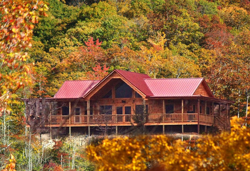 Black Bear Lodge At Deep Creek Cabins For Rent In Bryson