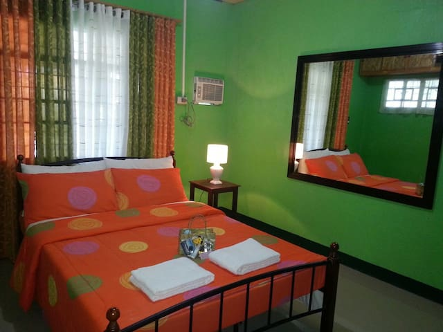 RD Guest House a place close to your home. w/ Wifi